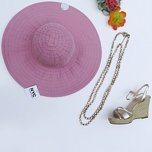 3/$20 NWT Dusty Pink Packable Beach Hat